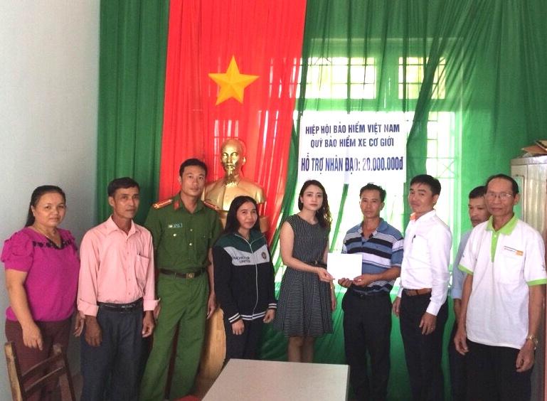 Quỹ Bảo hiểm xe cơ giới hỗ trợ nhân đạo cho nạn nhân tử vong do tai nạn giao thông tại Tân Cảnh, Đắt Tô, Kon Tum