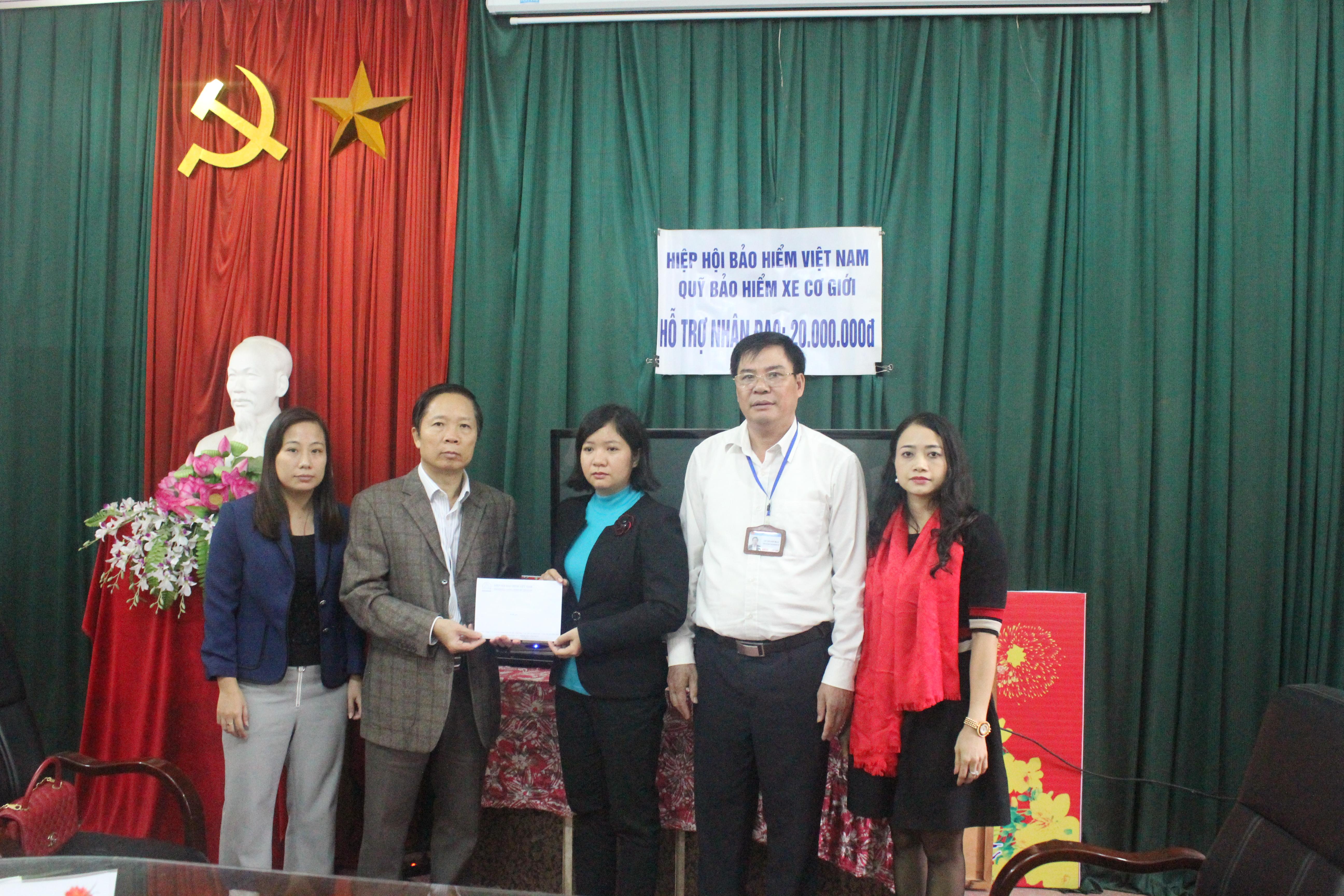 Quỹ Bảo hiểm xe cơ giới hỗ trợ nhân đạo cho nạn nhân  tử vong do tai nạn giao thông tại xã Trưng Trắc – Văn Lâm – Hưng Yên