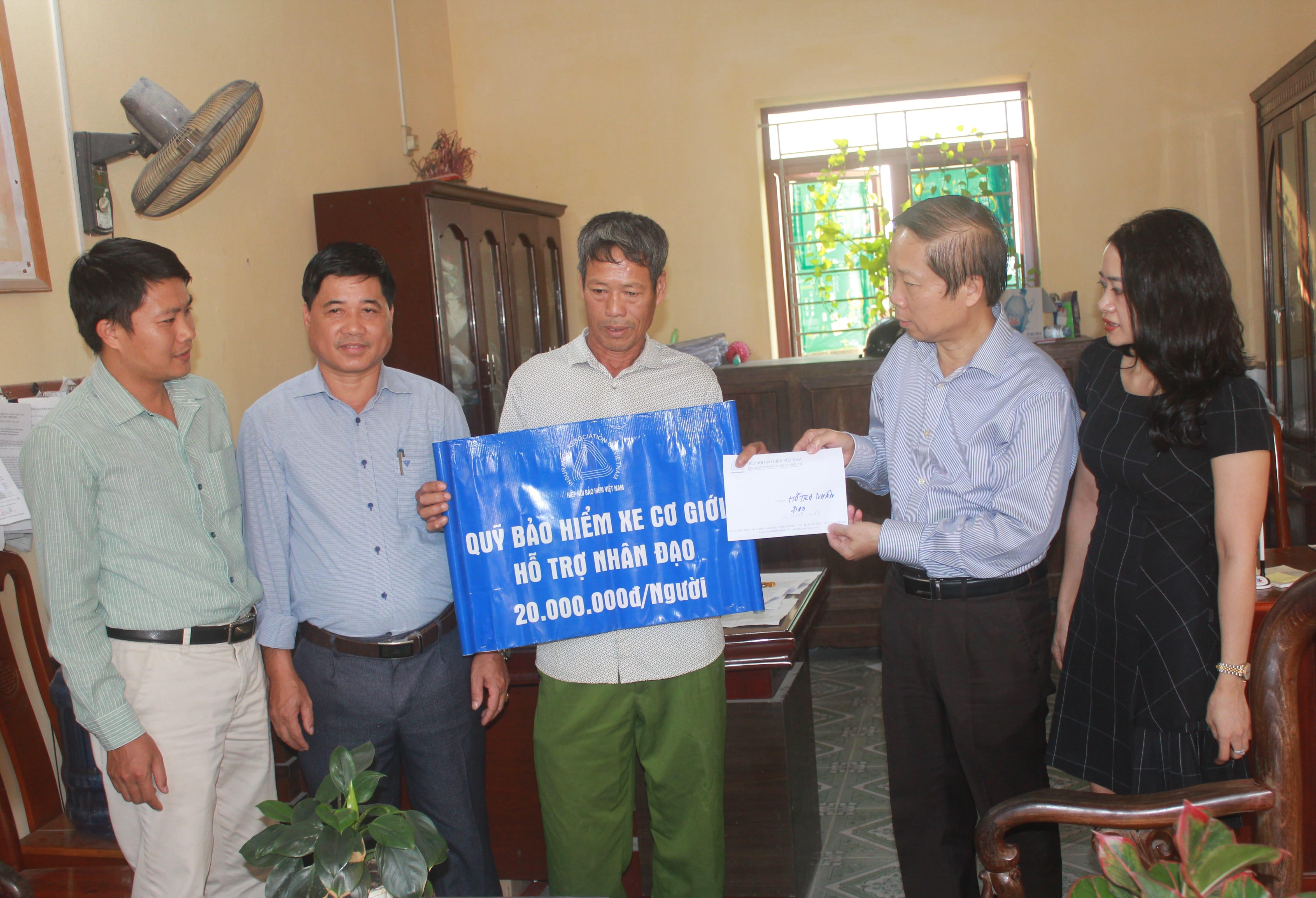 Quỹ Bảo hiểm xe cơ giới – Hiệp hội Bảo hiểm Việt Nam hỗ trợ nhân đạo tại Hải Dương