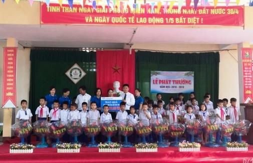 Fubon Life Việt Nam tiếp tục 'Chắp cánh ước mơ tuổi thơ'