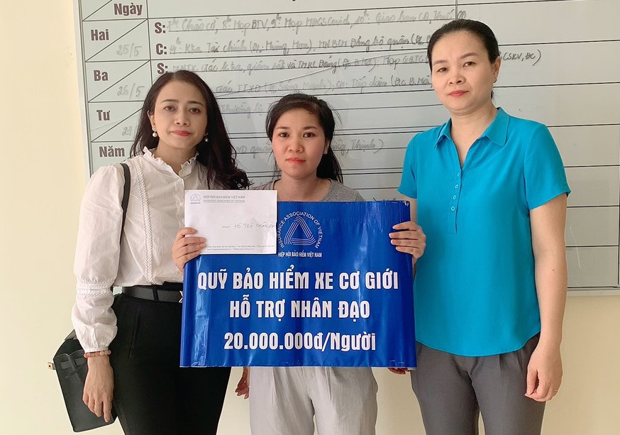 Hỗ trợ nhân đạo cho gia đình nạn nhân thường trú tại Hải Phòng